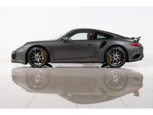 ポルシェ 911 911ターボS 2018yモデル ブラック/ボルドーレッド ツートンレザー内装 電動ガラスSR LEDメインブラックヘッドライト カーボン(ステアリング/発光ドアエントリー/シフトノブ)地デジTV