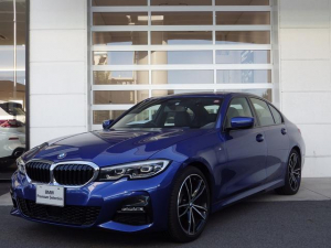 BMW 3シリーズ 320i Mスポーツ デビューパッケージ コンフォートパッケージ ジェスチャーコントロール HUD 純正ナビ 19インチAW レザーシート 純正ナビ ACC ウッドトリム