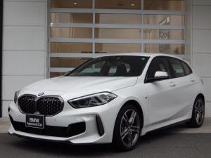 BMW 1シリーズ M135i xDrive 2L直列4気筒ターボエンジン 純正ナビ スマートキー シートヒーター フロントパワーシート ACC クリアランスソナー パーキングアシスト 4WD ランフラットタイヤ