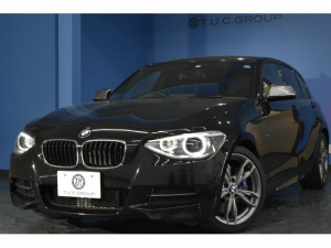 BMW 1シリーズ M135i 直6ターボ 黒革 可変Mサス Bカメラ 2年保証