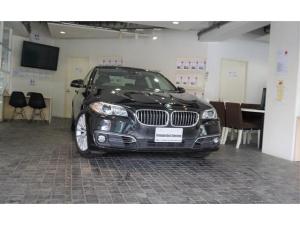 BMW 5シリーズ 528iラグジュアリー1オナD記6枚Bカメ禁煙ナビ更新済SR