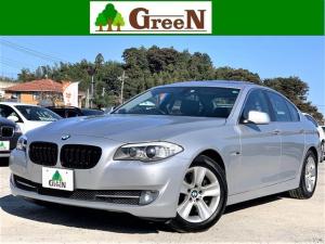 BMW 5シリーズ 528i 後期モデル 2リッターターボ 黒本革シート シートヒーター キセノン 電動サンルーフ 純正HDDナビ 地デジ バックカメラ パークセンサー コンフォートアクセス GPSレーダー 純正17AW 禁煙