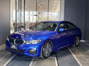 BMW 3シリーズ 320i Mスポーツ コンフォートアクセス パーキングアシストプラス 全方位カメラ アクティブクルーズコントロール ハンドルアシスト アンビエントライト ハーフレザーパワーシート シートヒーター オートトランク パドル