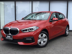 BMW 1シリーズ 118i 純正HDDナビゲーションパッケージ LEDヘッドライト SOSコール ミラーETC 後退アシスト アイドリングストップ ブレーキホールド バックカメラ 禁煙1オーナー 布手動シート 置くだけ充電