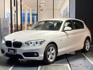 BMW 1シリーズ 118i スポーツ 16インチアルミホイール LEDヘッドライト 社外ドラレコ バックカメラ 後方センサー スポーツ布シート(手動)ブラックトリム マニュアルエアコン クルーズコントロール インテリジェントセーフティー