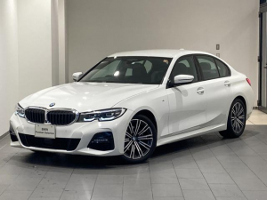 BMW 3シリーズ 320i Mスポーツ 全方位カメラ 全方位センサー オートトランク インテリジェントセーフティー コンフォートアクセス パーキングアシスト リバースアシスト ワイヤレス充電 マルチファンクションステアリング ACC