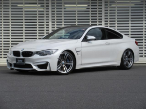 BMW M4 M4クーペ 黒レザーシート パーキングアシスト ヘッドアップディスプレイ レーンチェンジウォーニング 地デジ付ナビ LEDヘッドライト 19インチアルミ ビルシュタイン製車高調