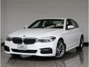 BMW 5シリーズ 523d xDrive Mスピリット アドバンスパッケージ ヘッドアップディスプレイ アクティブクルーズ 衝突被害軽減ブレーキ ステアリング&レーンコントロール スマホミラーリング DSRC車載器 LEDヘッドライト アンビエントライト