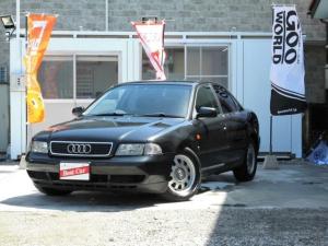 アウディ A4 1.8Tクワトロ 4WD ノーマル車 キーレス