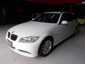 BMW 3シリーズ 320iツーリング キセノンヘッドライト 純正16インチ ブリジストン8分山 プッシュスタート スマートキー 電動シート HDDナビ CD録音 DVD再生 スペアキー ETC ディーラー整備記録簿