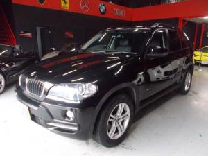 BMW X5 3.0si 4WD iDriveHDDナビ キセノンヘッドライト POW18インチ ミシュラン8分山 サンルーフ 黒革シート 電動シート シートヒーター プッシュスタート スマートキー ディーラー整備車両