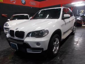 BMW X5  ディーラー整備車両 整備記録簿 4WD キセノンヘッドライト 18インチ 革シート 純正HDDナビ 地デジフルセグテレビ バックカメラ ブルートゥース 後席モニター クルコン サンルーフ ETC