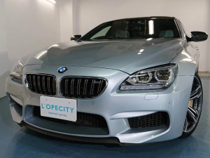 BMW M6 グランクーペ フルレザーメリノインテリア /前後左右独立温度調整オートエアコン ステンレスアクセルペダル カーボンドアミラー カーボンルーフ ヘッドアップディスプレイ