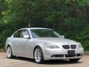 BMW 5シリーズ 525iハイラインパッケージ 走行7.6万キロ・記録簿・取扱説明書・純正ナビ・カギ2本・プラキー1本・CD・本革シート・パワーシート・シートヒーター・純正18インチ・キセノンヘッドライト・ヘッドライトウオッシャー・電動格納ミラー