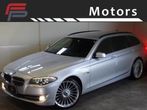 BMW 5シリーズ 523iツーリング ハイラインパッケージ 禁煙 後期エンジン搭載モデル HDDナビ地デジバックカメラ 黒革 コンフォートアクセス I-STOP 電動Rゲート サンシェード アルピナタイプ新品21AW 新品タイヤ ディーラー整備
