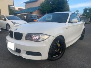 BMW 1シリーズ 135i Mスポーツ ツインターボ 6速マニュアルトランスミッション サンルーフ スペアキー 純正ナビ HID 18インチアルミホイール フロントBMWパフォーマンスブレーキ 革シートシートヒーター ETC