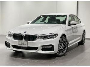 BMW 5シリーズ 530i Mスポーツ ブラックレザー シートヒーター ヘッドアップディスプレー 地デジチューナー アダプティブLEDライト コンフォートアクセス オートトランク 電動シートメモリー付き ETC2.0