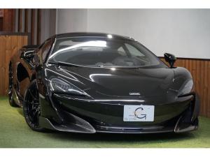 マクラーレン 600LT ベースグレード セキュリティーパック スペシャルペイントオニキスブラック カーボンファイバーインテリア グロスブラックホイールフィニッシュカーボンファイバーレーシングシート 専用フロアマット 新車保証付 ディーラー車