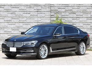 BMW 7シリーズ 740Li デザインピュアエクセレンス リアエンターテイメント パノラマサンルーフ 象嵌細工ウッドトリム 専用20インチAW