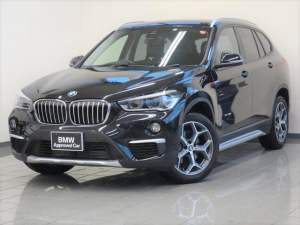 BMW X1 sDrive 18i xライン コンフォートアクセス リヤビューカメラ アダプティブLEDヘッドライト ドライバーアシスト 電動リヤシートヒーター パークディスタンスコントロール ETC付ルームミラー 18AW