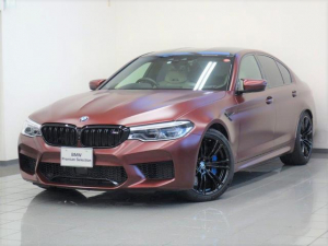 BMW M5 M5 ファーストエディション ホワイトベージュレザー BMWデスプレー Mマルチファンクションシート 4ゾーンエアコンディショナー ソフトクローズドア BOWERS&WILKINSダイヤモンドサウンドシステム 20ダブルスポーク