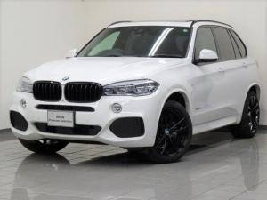 BMW X5 リミテッドホワイト ブラックレザー コンフォートアクセス リヤビューカメラ トップビューサイドビューカメラ ソフトクローズドア リヤシートヒーティング パノラマガラスサンルーフ パークディスタンスコントロール 20AW