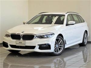 BMW 5シリーズ 523d xDriveツーリング Mスピリット コンフォートアクセス アクティブクルーズコントロール ドライバーアシストプラス リヤビューカメラ パーキングアシストプラス アンビエントライト ヘッドアップディスプレー 18インチダブルスポークAW