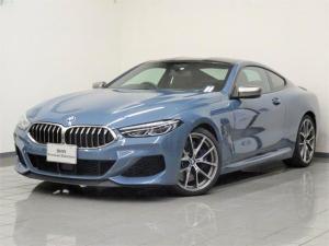 BMW 8シリーズ M850i xDriveクーペ メリノレザータルトゥーフォ Mスポーツブレーキ Mカーボンファイバールーフ BMWディスプレイキー BMWレザーライト アクティブクルーズコントロール パーキングアシストプラス 20インチAW