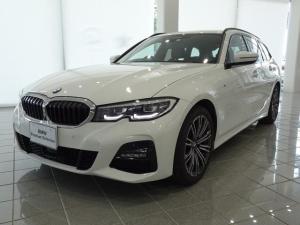 BMW 3シリーズ 318iツーリング Mスポーツ パーキングアシストプラス 18インチMライトホイール コンフォートアクセス アンビエンスライト 電動フロントシート LEDヘッドライト ストレージコンパートメントパッケージ