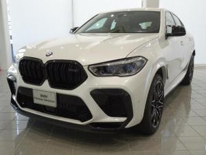 BMW X6 M コンペティション 21/22Mライトスターシポーク818 アラームシステム コンフォートアクセス ソフトクローズドア マッサージ機能付きフロントシート フロントベンチレーションシート リヤエンターテイメントシステム