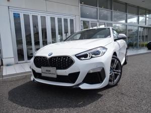 BMW 2シリーズ M235i xDriveグランクーペ 新車保証付 弊社デモカー 黒レザーシート ACC タッチパネル式HDDナビ 2.0ETCミラー 18インチアルミ Mスポーツブレーキ ライブコックピット Mリアスポイラー LEDヘッドライト