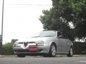 アルファロメオ アルファ156 2.0 ツインスパーク 希少車 ツインスパークマニュアル車 右ハンドル 5速マニュアル 16インチ純正アルミホイール 社外ステンリアサイレンサー