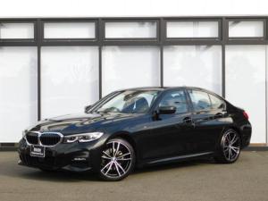 BMW 3シリーズ 320i Mスポーツ ウッドトリムMFSアイドリングストップ19インチアルミホイール黒革電動シートUSBバックカメラ電動トランクACCインテリジェントセーフティidriveシートヒーターMコレ