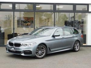 BMW 5シリーズ 523d xDriveツーリング Mスピリット MスピリットアドバンスPKGハイラインPKG全周囲カメラ全周囲PDCベージュレザースポーツシートACCミラーETCウッドトリムMFSシートヒーターScrrenmirrorringオートトランクMコレ