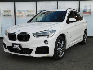 BMW X1 sDrive 18i Mスポーツ アルカンターラスポーツシートMFSオートトランクSOSミラーETCアンビエントライト前後PDCコネクテッドドライブAUXアルミトリムUSB18インチアルミホイールLEDヘッドライトCD/DVD