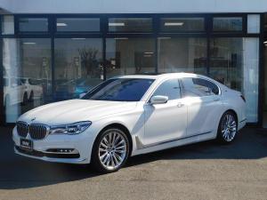 BMW 7シリーズ M760Li xDrive V12エクセレンス Bowers&Wilkinsアルカンターラルーフ20AWステアリングヒーターヘッドアップディスプレイシートヒーター&シートクーラー全方位カメラ全方位PDCリヤエンタメ前車追従クルコンレーダー&ドラレコ