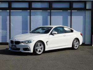 BMW 4シリーズ 420iクーペ Mスポーツ アルカンターラスポーツシート18インチアロイホイール前車追従クルコンミラーETCコンフォートアクセスSOSコールUSBパドルシフトBTアイドリングストップBカメラ後方障害物センサーCD/DVD