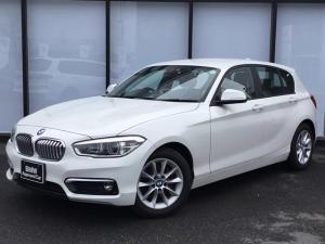 BMW 1シリーズ 118d スタイル 追従機能付き16インチアロイホイール後方障害物センサーUSB/AUXバックカメラLEDヘッドライトSOSコール音楽ライブラリCD/DVDアイドリングストップBluetoothミラーETC