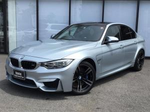 BMW M3 M3 19AW 黒革電動シート シートヒーター バックカメラ 前後センサー パーキングサポート ヘッドアップディスプレイ カーボンルーフ コンフォートアクセス インテリジェントセーフティ