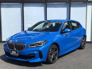 BMW 1シリーズ 118i Mスポーツ 弊社デモンストレーションカーLEDヘッドライト後退アシスト音楽ライブラリSOSコール前後障害物センサー前後障害物センサーUSBアンビエントライト18インチアロイホイール前車追従機能パーキングアシスト