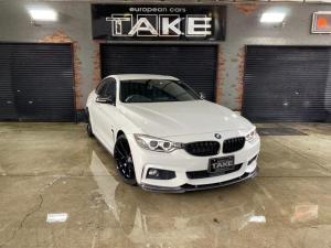 BMW 4シリーズ 420iグランクーペ Mスポーツ 社外フロントリップスポイラー&リアディフューザー・19インチブラックホイール・カーボンドアミラー・カーボントランクスポイラー・サイドアンダースカート・ACC・電動リアゲート