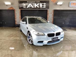 BMW 5シリーズ  限定色シルバーストーン 左ハンドル サンルーフ 本革スポーツシート フルパワーシート トリプルエアコン ACC 地デジナビ シートエアコン&シートヒーター アラウンドビューモニター サイドカメラ