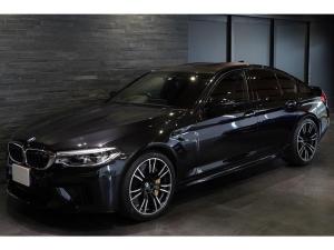 BMW M5 M5 ワンオーナー MドライバーズPKG カーボンセラミックブレーキ Mエキゾーストシステム ドライビングアシストプラス パーキングアシストプラス シートヒーター&クーラー 車検R5年5月迄