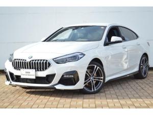 BMW 2シリーズ 218iグランクーペ Mスポーツ 正規認定中古車、1オーナー、タッチパネル式HDDナビ、ACC、アンビエイトライト、Bカメラ、前後ソナーセンサー、LEDライト、ワイヤレス充電器、ハーフレザーシート、電動シート、Bluetooth接続可