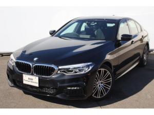 BMW 5シリーズ 523d Mスポーツ ブラックサファイアステアリングサポート