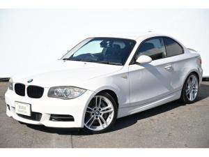 BMW 1シリーズ 135i 6速MT・ブラックレザー・Fシートヒーター・F電動シート・後期型ナビゲーション・社外地デジTV/リヤカメラ・キセノンライト・純正18AW