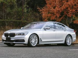 BMW 7シリーズ 750i ワンオーナー タイヤ4本新品交換済み サンルーフ アダプティブクルーズコントロール ステアリングレーンコントロールアシスト コーナーセンサー アラウンドビューモニター レーンチェンジウォーニング