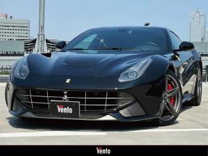 フェラーリ F12ベルリネッタ ベースグレード 全面フルプロテクションフィルム加工 カーボンインテリア LEDステアリング パッセンジャーディスプレイ アルカンターラコンビバイカラーシート 電動格納ミラー バックカメラ Bluetooth