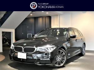 BMW 5シリーズ 523iツーリング Mスポーツ コンフォA 追従ACC レーンDW&レーンCHW 衝突軽減B 黒革 タッチP対応iドライブナビ 全周囲カメラ 前後センサー LEDライト オートテールゲート 2年保証