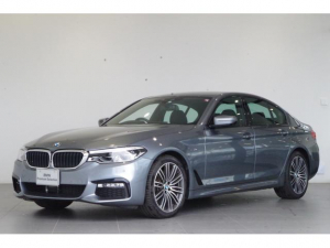 BMW 5シリーズ 530i Mスポーツ イノベーションP 黒革シート ACC
